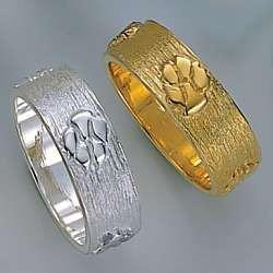 Ring mit Hundepfote in Gold und Silber